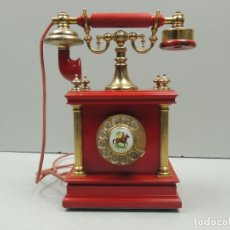 Teléfonos: IMPRESIONANTE TELÉFONO DE BAQUELITA ROJO ESTILO RETRO EXCELENTE PIEZA DE DECORACIÓN RARO. Lote 118504255