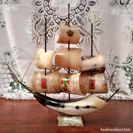 Barco tallado a mano de asta de toro. 3 mástiles. Artesanía en asia