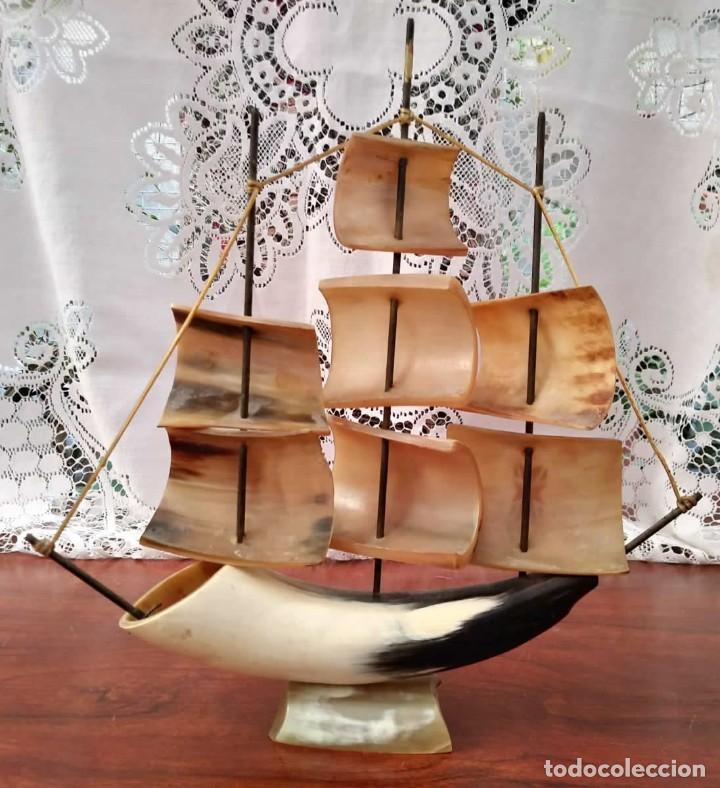 Antigüedades: Barco tallado a mano de asta de toro. 3 mástiles. Artesanía en asia - Foto 4 - 118581703