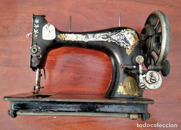 Antigüedades: Antigua cabeza de maquina de coser Singer para decoración o piezas (ver fotos) - Foto 3 - 118588563