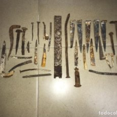 Antigüedades: GRAN LOTE DE CLAVOS Y HIERROS DE FORJA ANTIGUOS. Lote 118627151