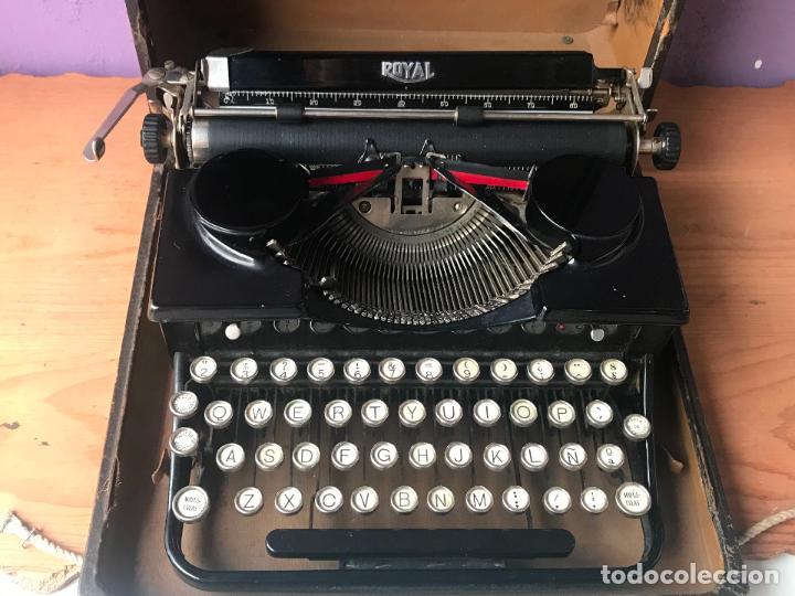 Antiquitäten: Maquina de escribir royal portatil en buen estado - Foto 5 - 135052006