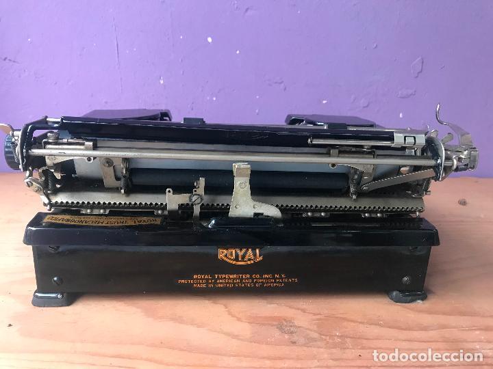 Antiquitäten: Maquina de escribir royal portatil en buen estado - Foto 12 - 135052006
