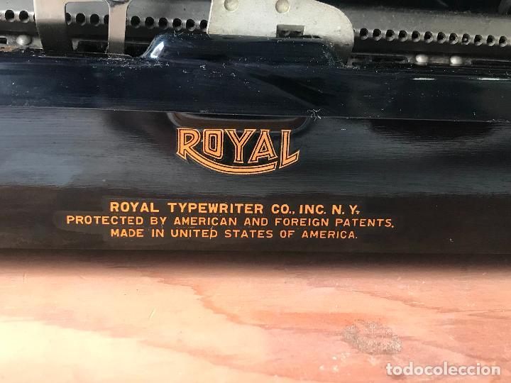 Antiquitäten: Maquina de escribir royal portatil en buen estado - Foto 13 - 135052006