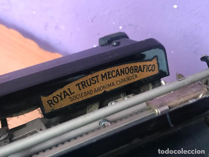 Antiquitäten: Maquina de escribir royal portatil en buen estado - Foto 15 - 135052006