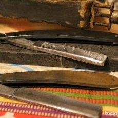 Antigüedades: LOTE 2 NAVAJAS DE BARBERO/ AFEITAR (SOLINGEN 14 Y JUVENIA) + ASENTADOR. Lote 119199359