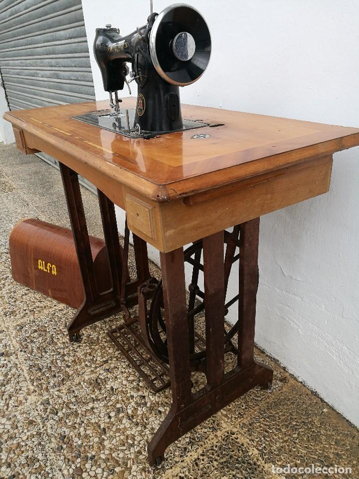 Antigüedades: Máquina de coser ALFA - Foto 4 - 119365007