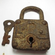 Antigüedades: MAGNIFICO ANTIGUO CANDADO,CON SU LLAVE,FUNCIONANDO. Lote 119509883