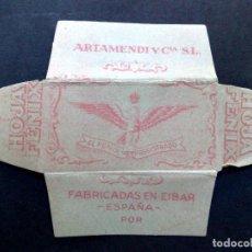 Antigüedades: HOJA DE AFEITAR ANTIGUA-EL FENIX-FABRICADOS EN EIBAR-ESPAÑA,POR ARTAMENDI ¡¡COLOR ROSA!! DESCRIPCIÓN. Lote 84697196