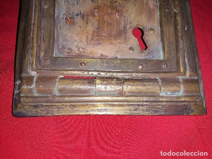 Antigüedades: ANTIGUA PUERTA DE REGISTRO DE BRONCE - Foto 2 - 119634127