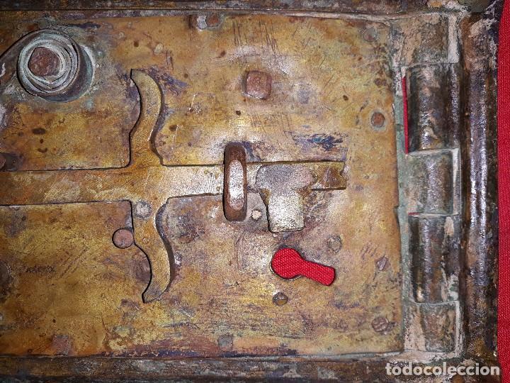 Antigüedades: ANTIGUA PUERTA DE REGISTRO DE BRONCE - Foto 4 - 119634127