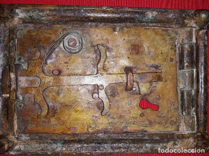 Antigüedades: ANTIGUA PUERTA DE REGISTRO DE BRONCE - Foto 5 - 119634127
