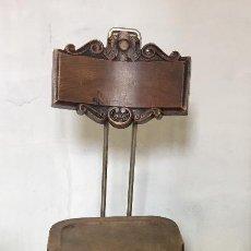 Antigüedades: ANTIGUA SILLA PINTOR CABALLETE TRÍPODE PATAS AVE GARRA RESPALDO TALLADO ANTE LIENZO PPIO S XX. Lote 119866355