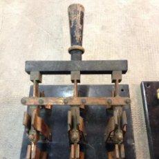 Antigüedades - Antiguo y Espectacular Fusible Interruptor Trifásico de Palanca Base mármol Especial - 120156867