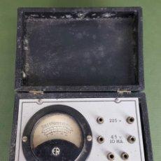 Antigüedades: MEDIDOR DE OHMIOS, VOLTIMETRO Y MILI AMPERIMÉTRO. METAL Y MADERA. MAYMO. CIRCA 1950. . Lote 120192319