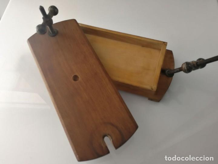 Antigüedades: ANTIGUA PRENSA DE LIBROS DE DOBLE TORNILLO - MUY CURIOSA - Foto 4 - 120297103