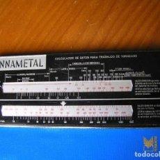 Antigüedades: REGLA DE CALCULO MECANIZADO CALCULADOR DE DATOS PARA TRABAJOS DE TORNEADO KENNAMETAL HUTESA MADRID. Lote 120391943