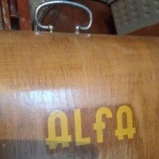 Antigüedades: TAPA DE MAQUINA DE COSER ALFA. Lote 120413003