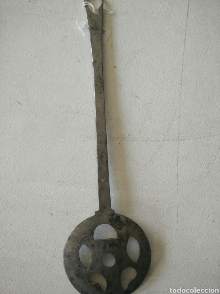 Antigüedades: Espumadera de forja muy antigua - Foto 4 - 120535347