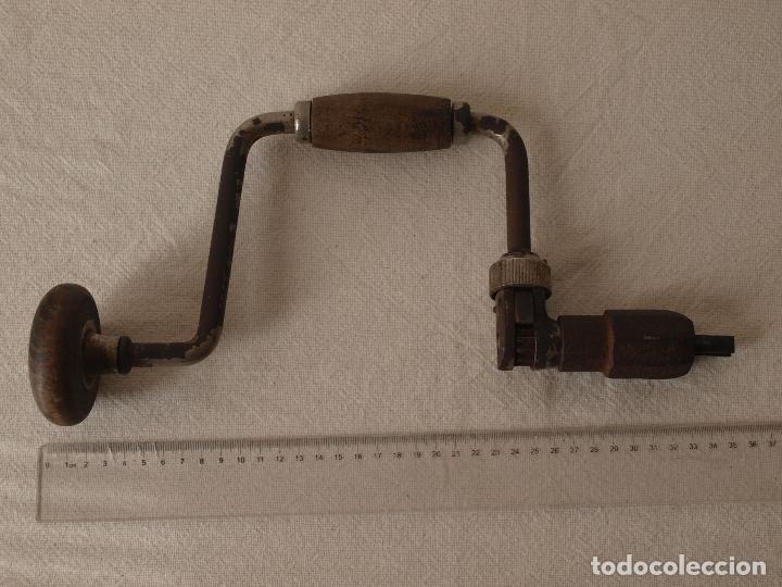 Antigüedades: ANTIGUO TALADRO MANUAL O BERBIQUI. 35 CM LARGO X 18,5 CM ANCHO APROX. VER FOTOS Y DESCRIPCION - Foto 14 - 120740011