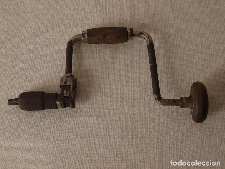 Antigüedades: ANTIGUO TALADRO MANUAL O BERBIQUI. 35 CM LARGO X 18,5 CM ANCHO APROX. VER FOTOS Y DESCRIPCION - Foto 16 - 120740011