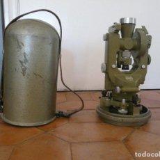 Antigüedades: ANTIGUO TEODOLITO WILD HEERBRUGG T1 Nº DE SERIE 59379. Lote 120810859