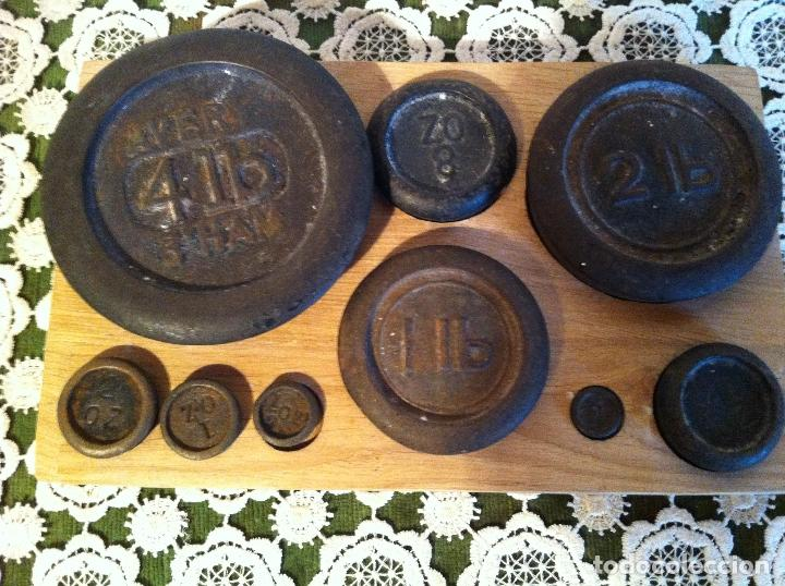 Antigüedades: COMPLETO JUEGO DE 9 PESAS ANTIGUAS DE 1/4 OZ A 4 LB DE FINALES XIX (X00) - Foto 2 - 121008135