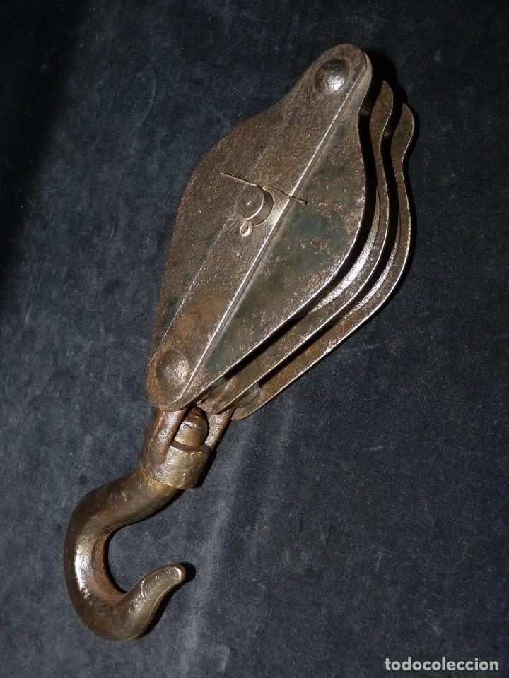 Antiquitäten: ANTIGUA POLEA DOBLE DE ACERO. GARRUCHA, PASTECA, ROLDANA. 36 cm. y 3,3 kg. - Foto 2 - 121122255