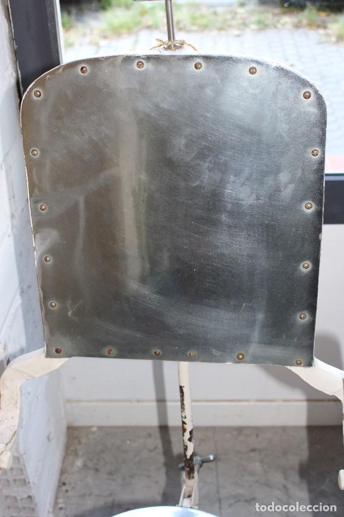 Antigüedades: sillón medico de hierro fundido y acero. industrial años 20 - Foto 10 - 121128075