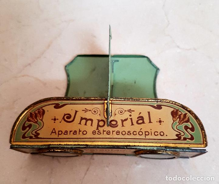 Antigüedades: ANTIGUO APARATO ESTEREOSCOPICO PUBLICITARIO DE LATA LITOGRAFIADA IMPERIAL,PLEGABLE Y LOTE DE VISTAS - Foto 2 - 121178387