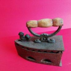 Antigüedades: BONITA PLANCHA DE CARBÓN. Lote 121262111