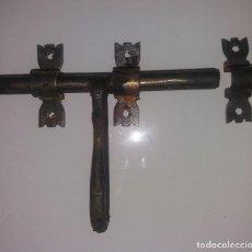 Antigüedades: PESTILLO PARA PUERTA. Lote 121348923