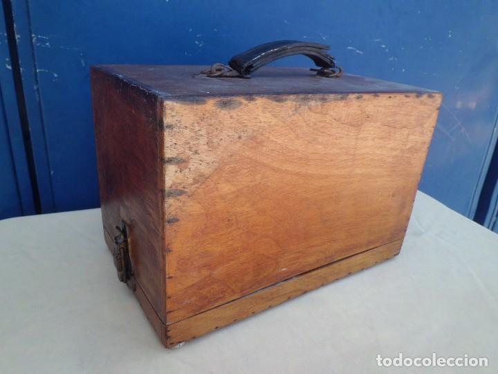 Antigüedades: PROYECTOR AMERICANO AÑOS 40 EN SU CAJA - Foto 4 - 121386279