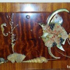 Antigüedades: BONITO CUADRO DE CONCHAS CON LA FECHA EN DORSO AÑO 1972. Lote 121425439