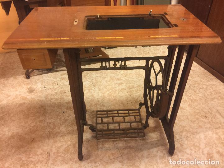 Antiguos pies, base o mesa para maquina de cose - Vendido