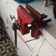 Antigüedades: TORNILLO PARA BANCO DE TRABAJO HIERRO PESA 471 GRAMOS. Lote 121640299
