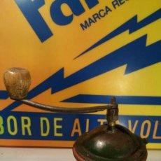 Antigüedades: ANTIGUO MOLINILLO DE CAFE MARCA PEUGEOTE MODELO G - FUNCIONA. Lote 121666419
