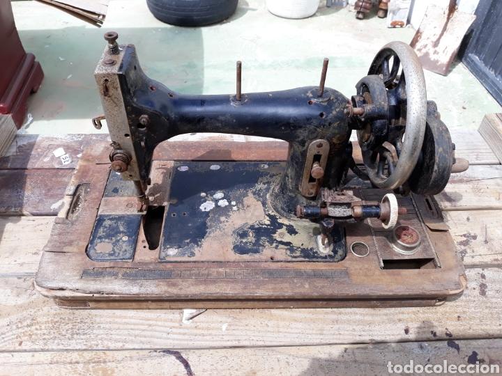 MAQUINA DE COSER (Antigüedades - Técnicas - Máquinas de Coser Antiguas - Otras)
