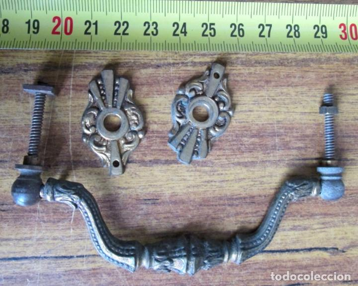 Antigüedades: 6 tiradores bronce - latón - Foto 3 - 121816491