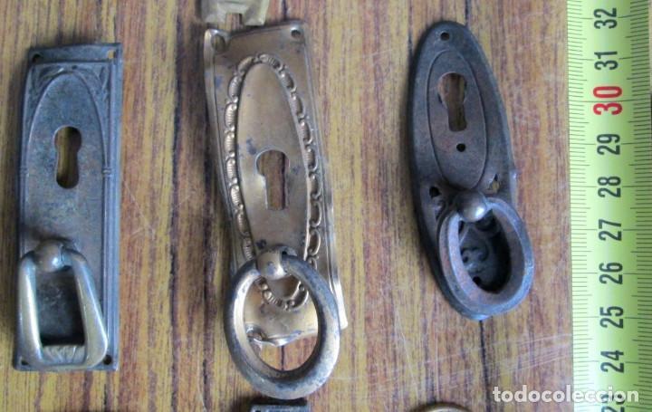 Antigüedades: 15 tiradores -- 6 de latón 9 chapa o similar cogen imán - Foto 3 - 121817715