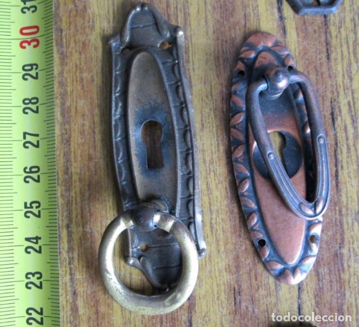 Antigüedades: 15 tiradores -- 6 de latón 9 chapa o similar cogen imán - Foto 5 - 121817715