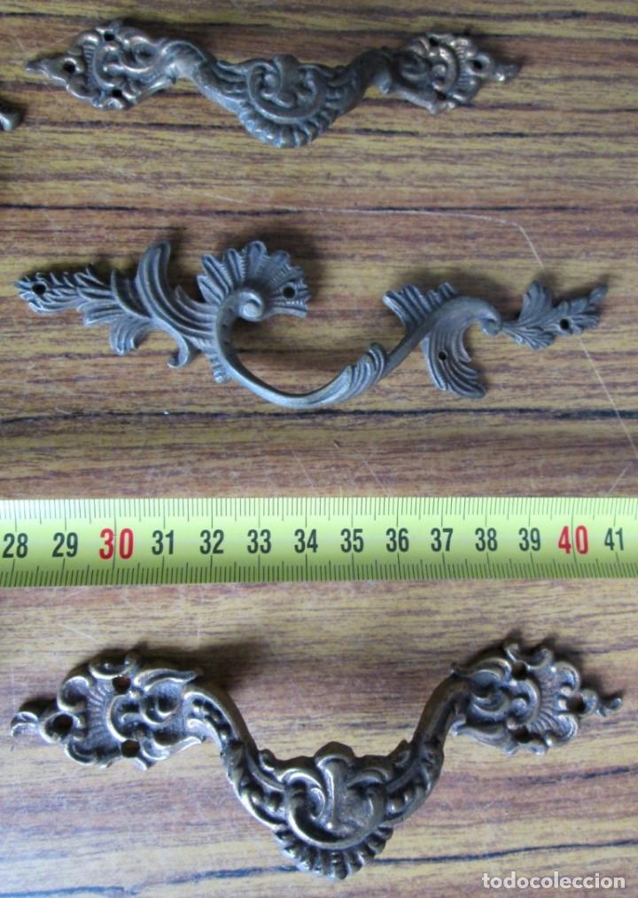 Antigüedades: 6 tiradores bronce - latón - Foto 2 - 121818443