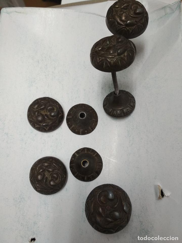 Antigüedades: LOTE 11 TIRADORES Y 3 LLAVES ARMARIO, COMODA CAJONES O SIMILAR. Mitad siglo XX aprox. - Foto 11 - 121893267