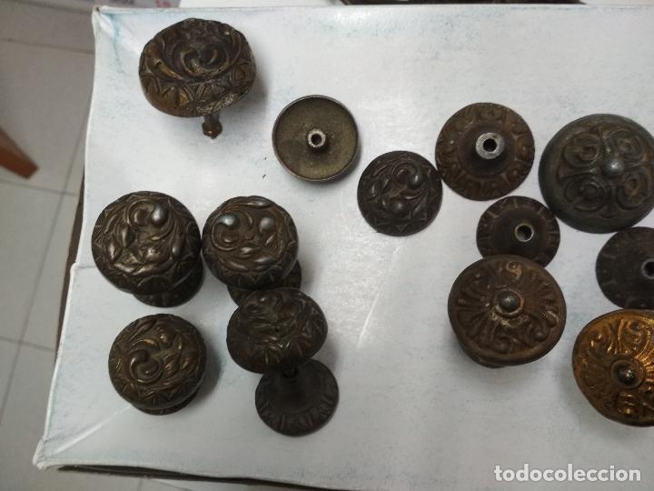 Antigüedades: LOTE 11 TIRADORES Y 3 LLAVES ARMARIO, COMODA CAJONES O SIMILAR. Mitad siglo XX aprox. - Foto 12 - 121893267