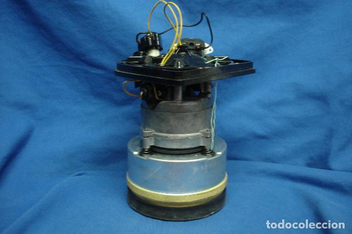 MOTOR SACADO DE ANTIGUO ASPIRADOR ELECTROLUX MOD. Z.82 (Antigüedades - Técnicas - Herramientas Profesionales - Electricidad)