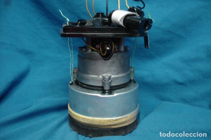 Antigüedades: MOTOR SACADO DE ANTIGUO ASPIRADOR ELECTROLUX MOD. Z.82 - Foto 5 - 121982083