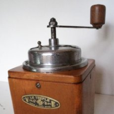 Antigüedades: MOLINILLO DE CAFÉ MARCA LE TRÈFLE. BÉLGICA. CA. 1940/50. Lote 122080351