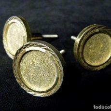 Antigüedades: LOTE DE 3 POMOS TIRADORES DE BRONCE MACIZO. 3,2 CM. CAJONES MUEBLES. VINTAGE. Lote 122141335
