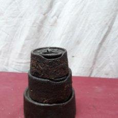 Antigüedades: LOTE 3 PESAS CIRCULARES ... 2, 1 Y 0.5 KG. Lote 122197735