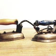 Antigüedades: LOTE DE 2 ANTIGUAS PLANCHAS ELECTRICAS. Lote 122219044